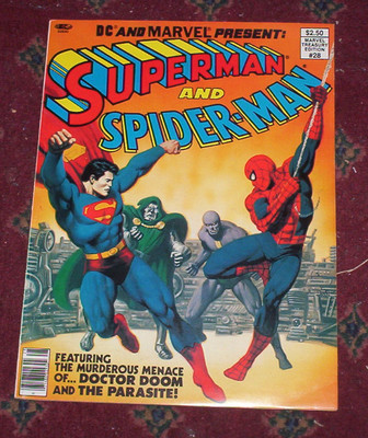 SUPERMAN and  SPIDER-MAN  MARVEL DC  1981 TREASURY EDITION 28 GALLERY SIZE