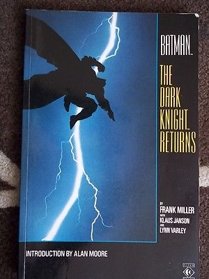 BATMAN THE DARK KNIGHT RETURNS [TITAN BOOKS] *TPB. 1986 *FRANK MILLER...