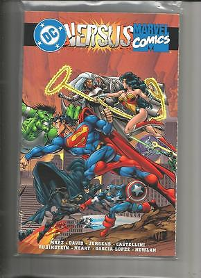 MARVEL VERSUS DC DC VERSUS MARVEL TRADE TPB 1996 NEAR MINT 9.4 1ST PRINT