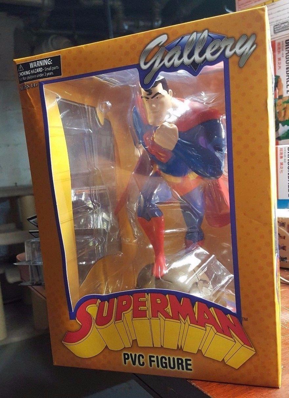 Diamond Select Toys DC Gallery: Superman: The Animated Series: Superman PVC Figu
