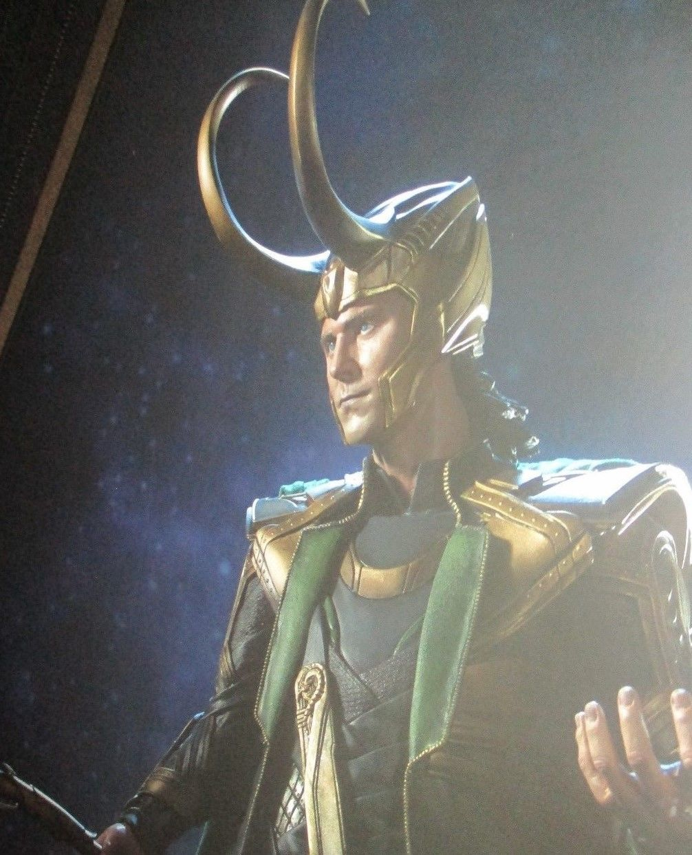 LOKI Premium Format Figure by Sideshow  Avengers/Movie/Statue MARVEL COMICS