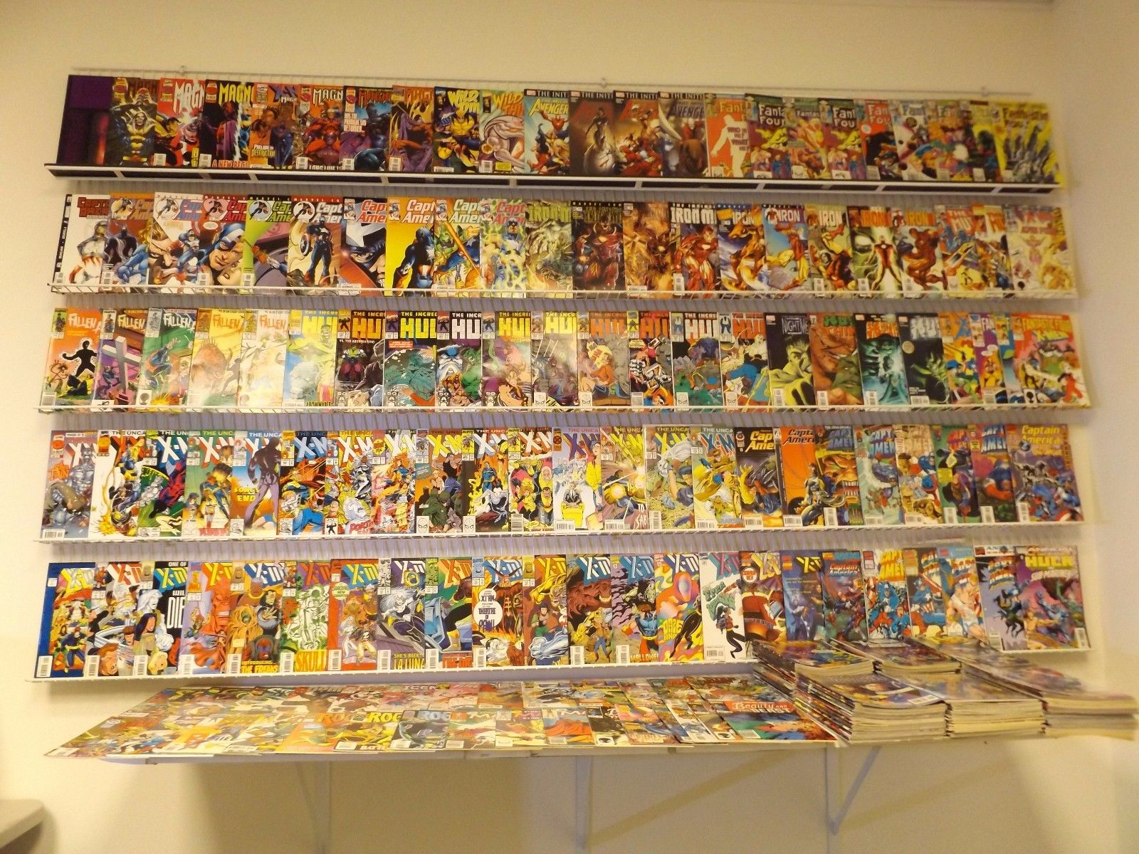 Huge Lot of 300+ Comics W/Captain America, FF, Iron Man+MORE Avg VF Condition