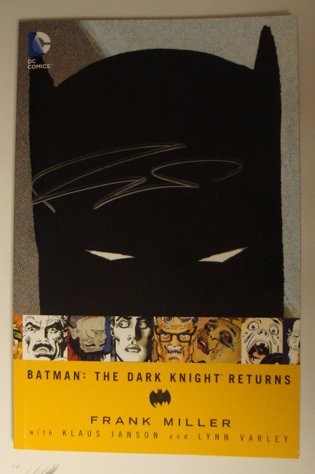 Batman: The Dark Knight Returns TPB Signed By Frank Miller