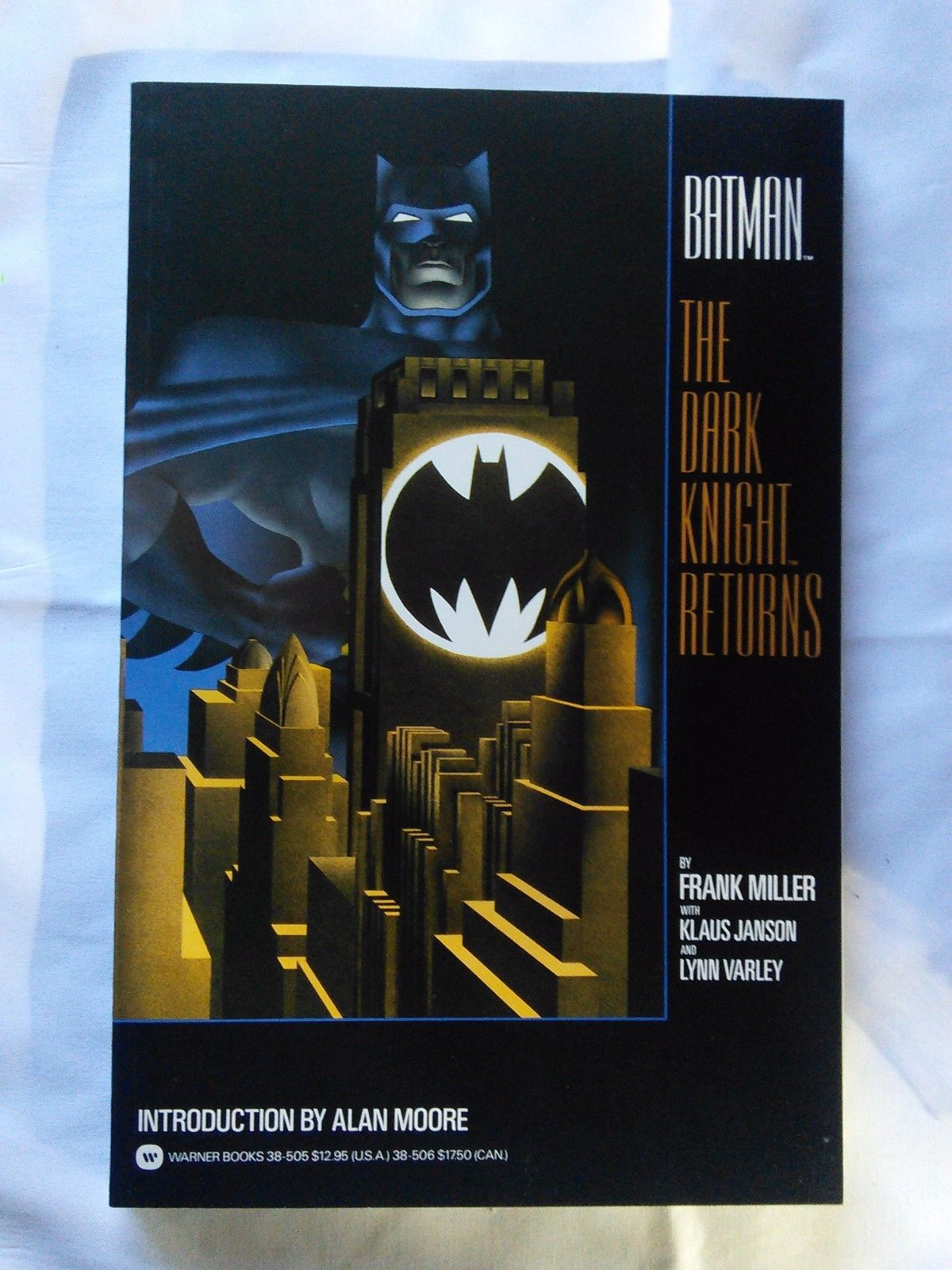Batman The Dark Knight Returns TPB, first print, NM condition, Frank Miller
