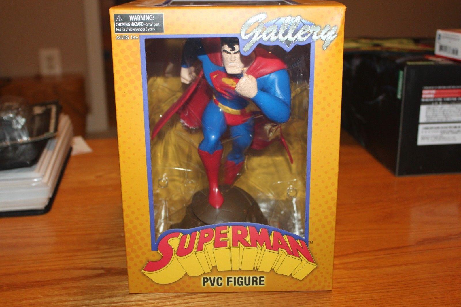 Animated Superman Gallery PVC Figure Statue - Diamond Select - NIB - Unopened