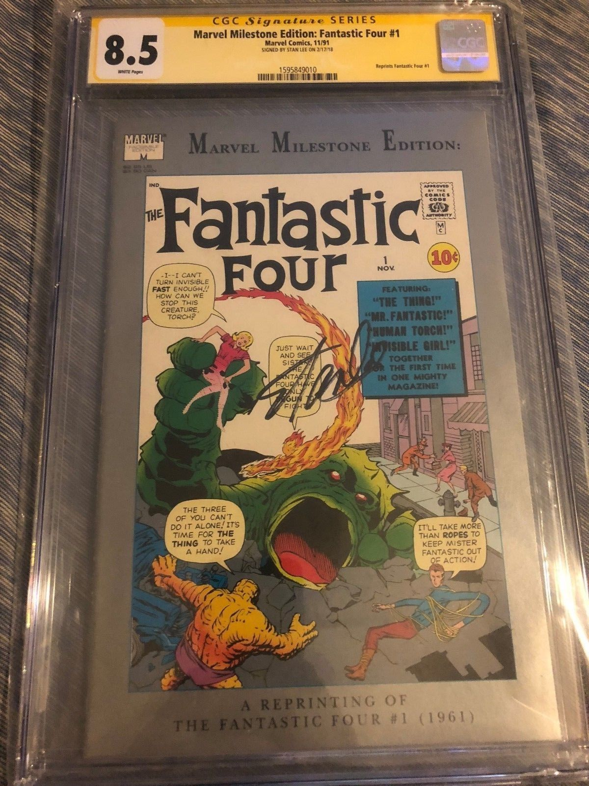 STAN LEE SIGNED FANTASTIC FOUR #1 MILESTONE EDITION CGC 8.5 SS