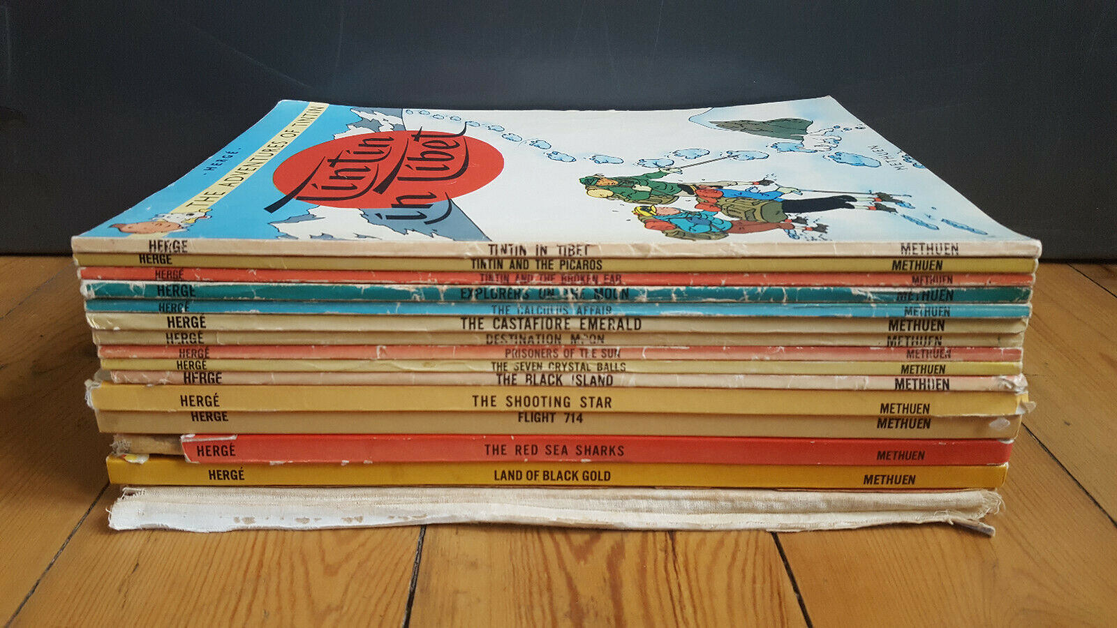 x15 Vintage TinTin Books, Herge. Methuen 1958-1977 - In Tibet, Flight 714, Moon