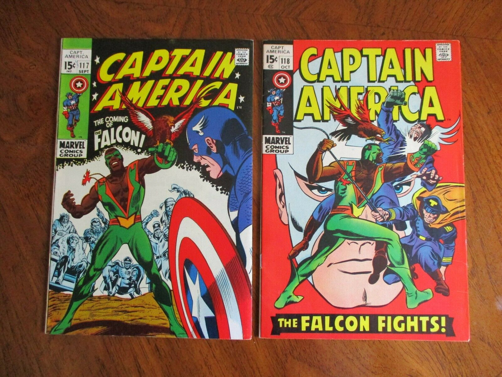 Captain America lot # 117 - 118 1st & 2nd app. Falcon Key Hot new series