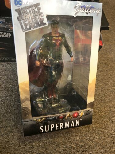 Superman Gallery Justice League Statue