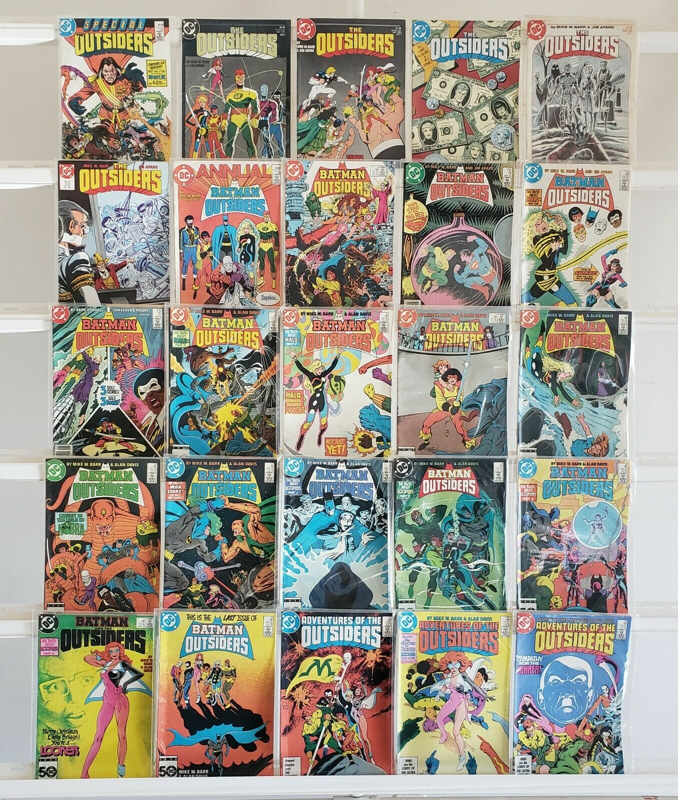 The Outsiders Batman And The Outsiders 25 DC Comic Book Lot Comics Run Box