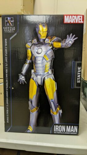 Iron Man Gentle Giant Metropolis Armor Variant Statue 100/250 limited edition.