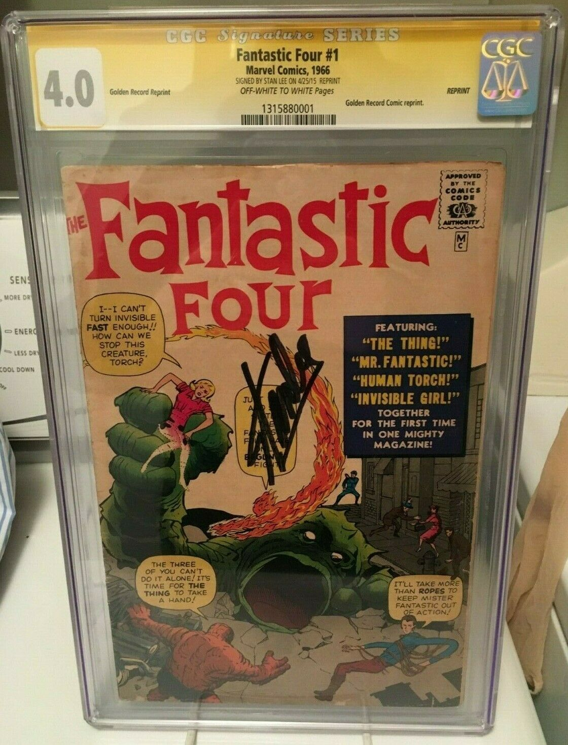 FANTASTIC FOUR #1 (1966 REPRINT) ? SIGNED STAN LEE ? CGC 4.0 Golden Record GRR