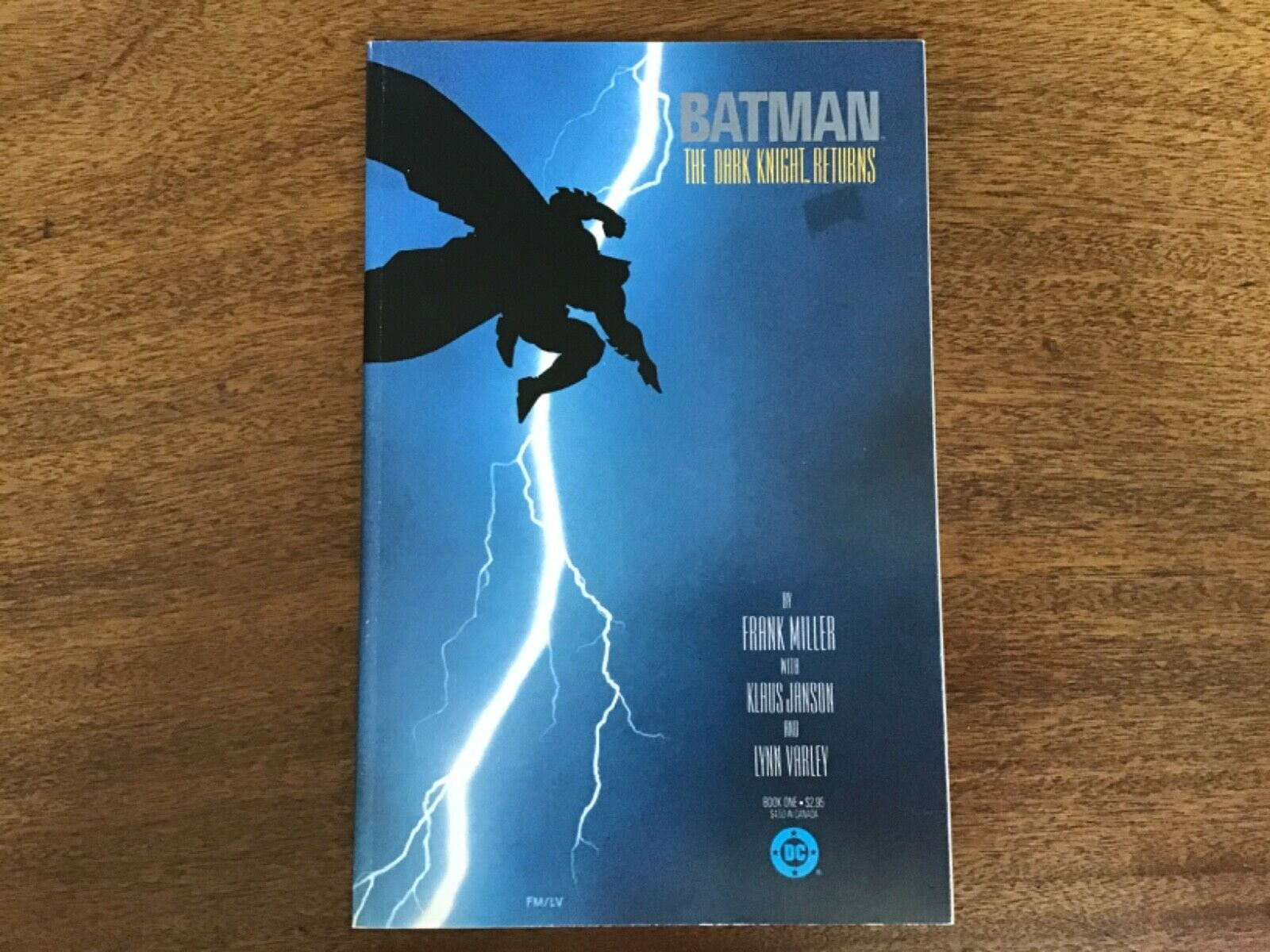 DC comics Batman the dark Knight returns book one Frank Miller TPB 1st print